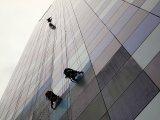 mycie okien w wieżowcach